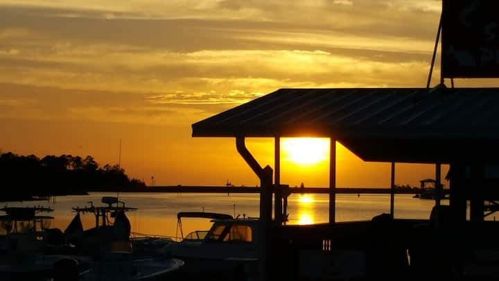 Fishing & Scalloping in a Convenient Location!
