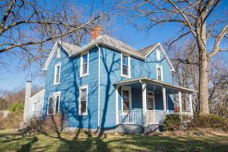 Charming Restored Farmhouse Minutes from Culpeper - Culpeper - Haus
