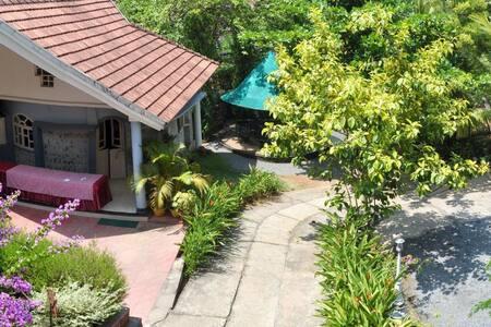 Luxury cottage in Kalpetta close to tea gardens - Wayanad