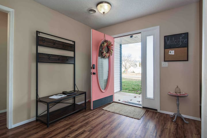 Mississippi Manor Shared 2BR 1BA Close to hospital