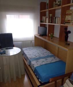 Saloncito dormitorio individual
