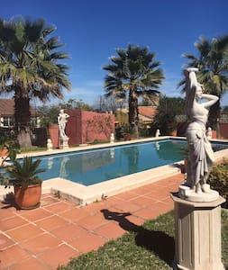 Ocasion Villa Alhaurín cerca de la playa y Málaga - Pinos de Alhaurín - 別荘