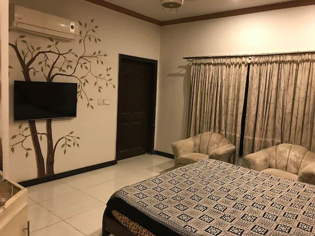 Comfy Room near Lyallpur Galleria
