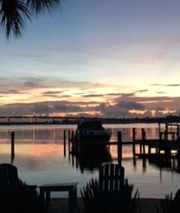 """Blue Mind"" - A Waterfront Home Guest House - Palm City - Pension"