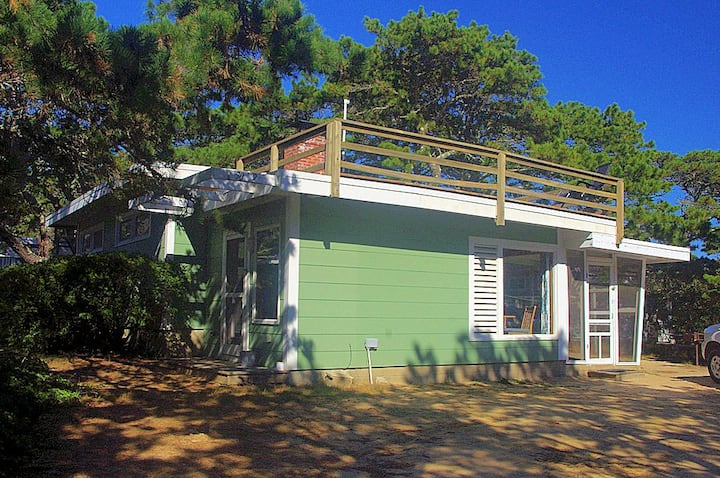 Knotty pine cottage at LeCount Hollow Beach