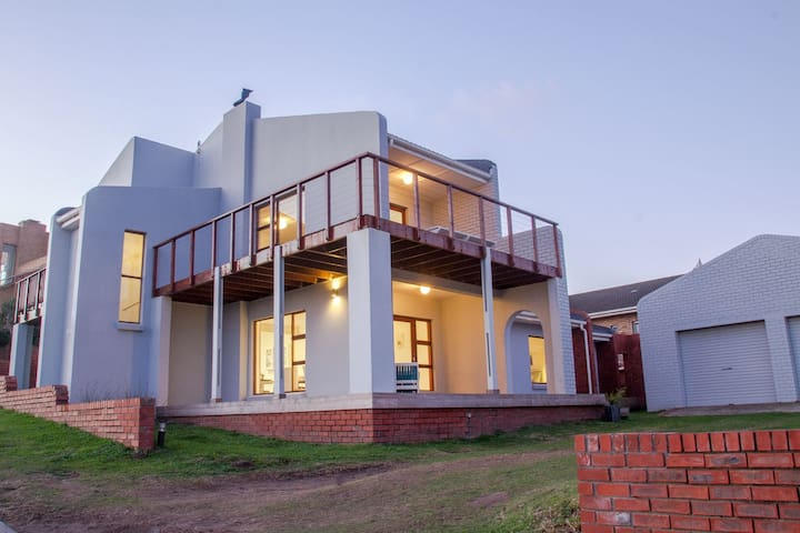 Fin's Beach House