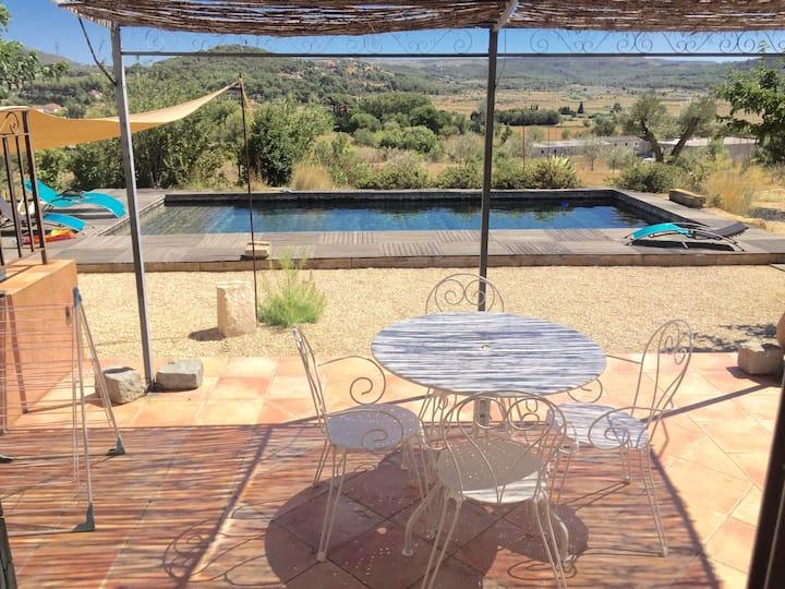 Grand et beau studio proche d'Aix en Provence