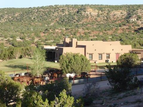Route 66 Creek Ranch Guest House Southwest 2