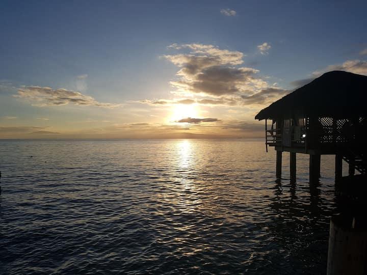 Upper deck . Relax beside the ocean