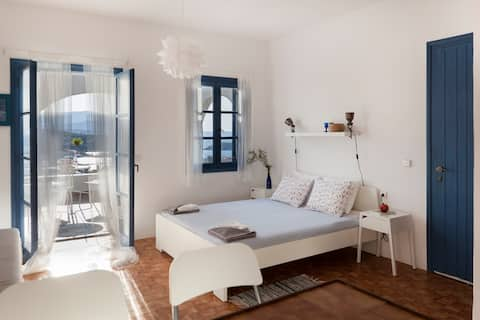 7 Olives double bed apt,  Private balcony SEAVIEW