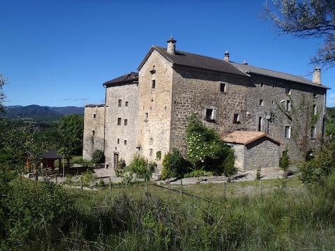 Casa Bestregui, średniowieczna okolica natury
