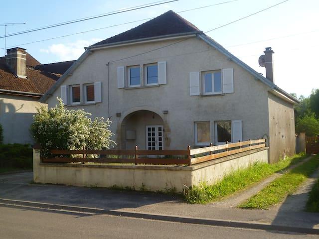 La Maison d'Odile chambres d'hôtes - Beaujeu-Saint-Vallier-Pierrejux-et-Quitteur - Aamiaismajoitus
