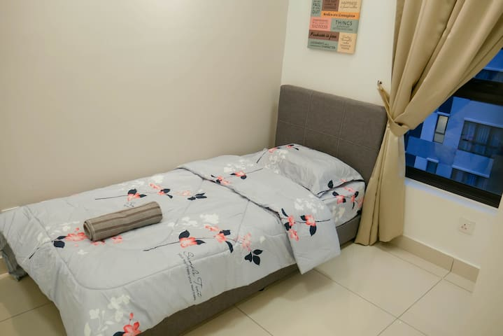 #1 Comfy room with walking distance to MRT Station