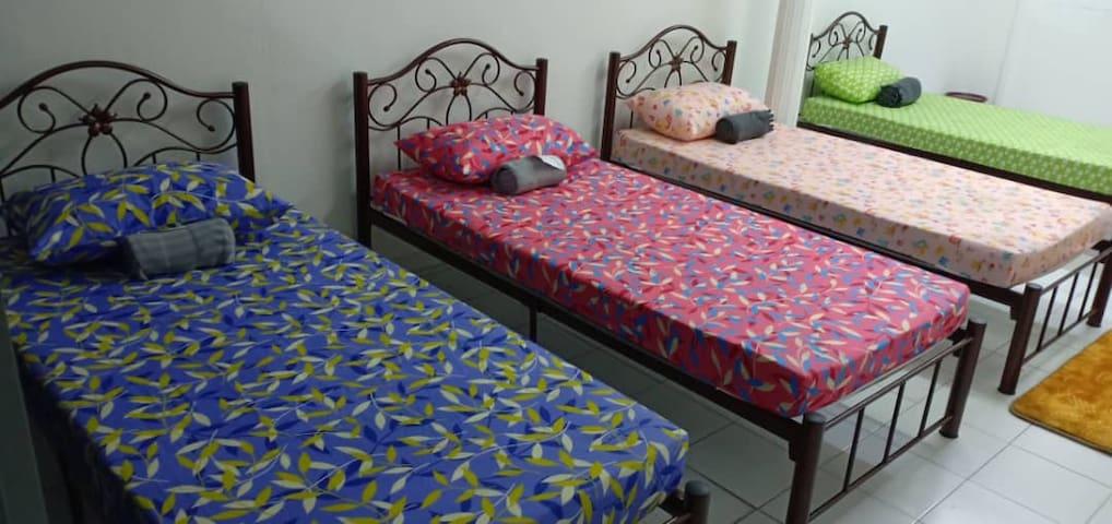 Amani 2 homestay -7 rooms (2-25 people)