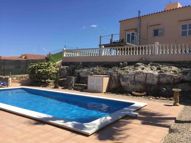 Detached Villa,gardens and pool