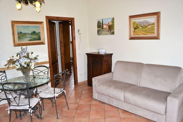 Soggiorno e cucina, living room and kitchen