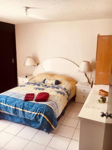 Agradable Habitación privada con baño propio