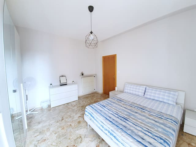 Double Room with TERRACE next to the TRAIN STATION