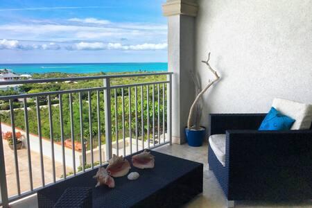 Amazing Ocean views -Modern Condo -Balcony - Pool