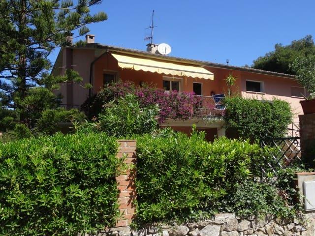 Ruhiges Apartement Magnolia mit großem Garten.