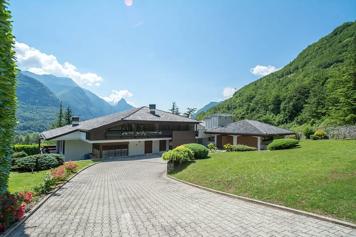 Luxury villa with pool near Cortina/Dolomiti
