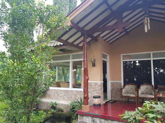 Villa Sundari
