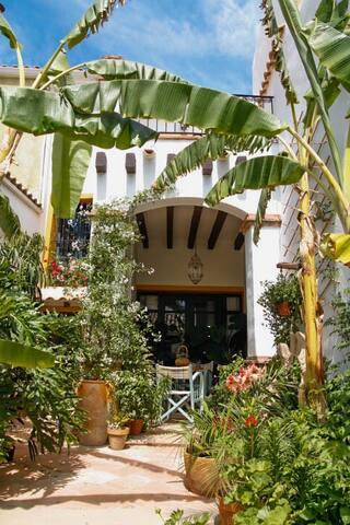 Casa antigua con jardín a 15 min de Alicante/playa