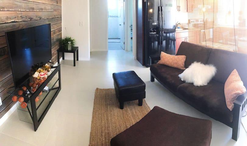 2 Private Rooms W/ 1 Bathroom 夏威夷 2室/1厅/1卫
