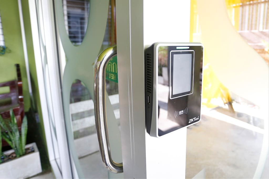 Key card access security system