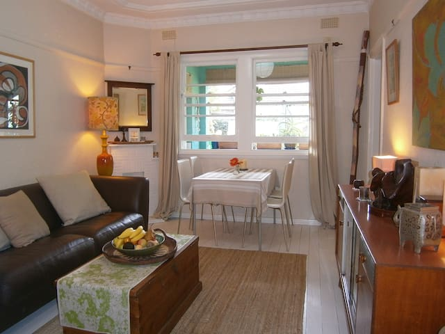 Leafy tranquillity, 2 bedroom apartment