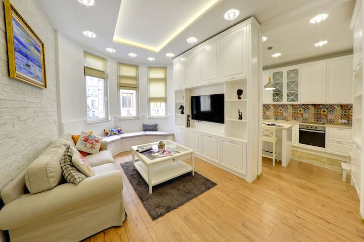 Luxury designer apartment on top location