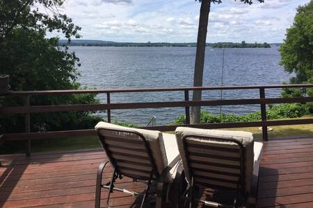 Private Waterfront House in Prince Edward County - Carrying Place