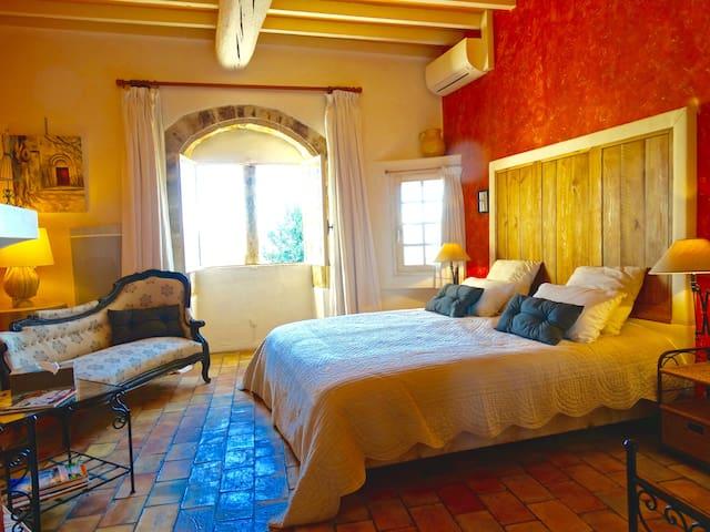 Un Patio en Luberon - Chambre Roussillon - Ansouis