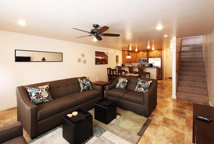 Newer Rim Vista Townhome with Great Views