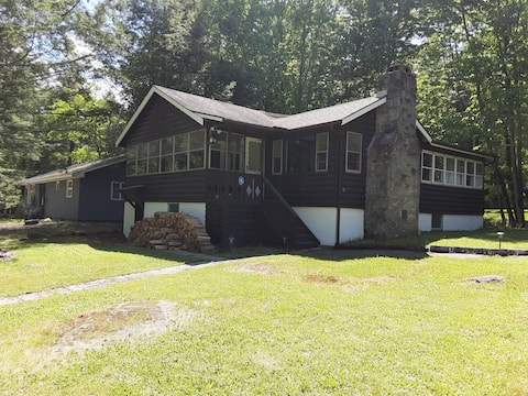 Newly Renovated Cottage in Smallwood Great Escape.