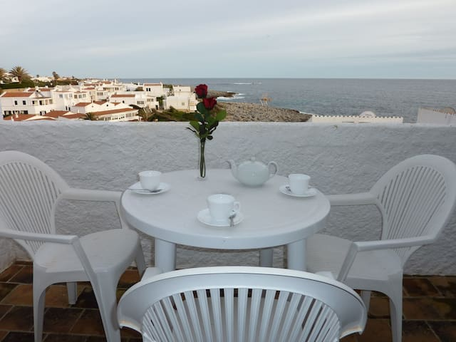 Fantastic Apartment with Wi-Fi, Terrace and Sea View; Parking available