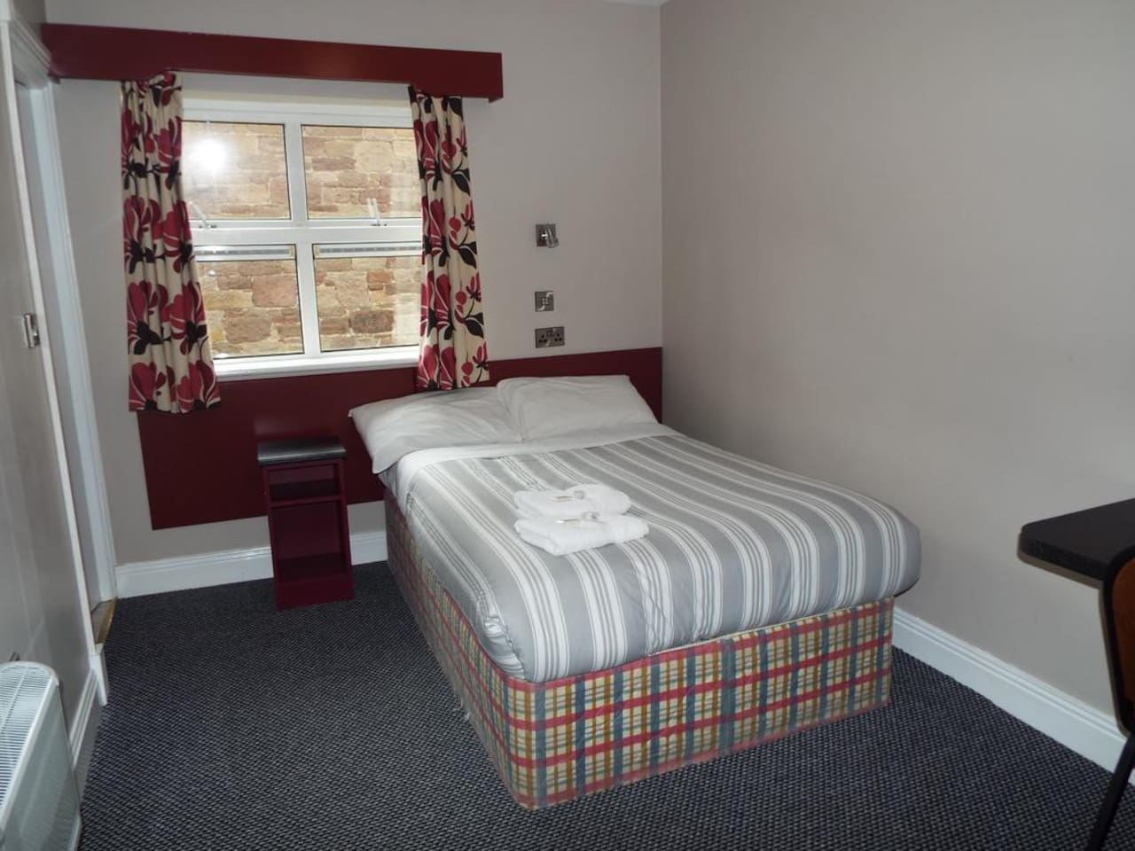 Comfortable bed in a Private Single Room
