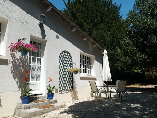 Spacious 2 Bed Gite with Pool in Beautiful Garden