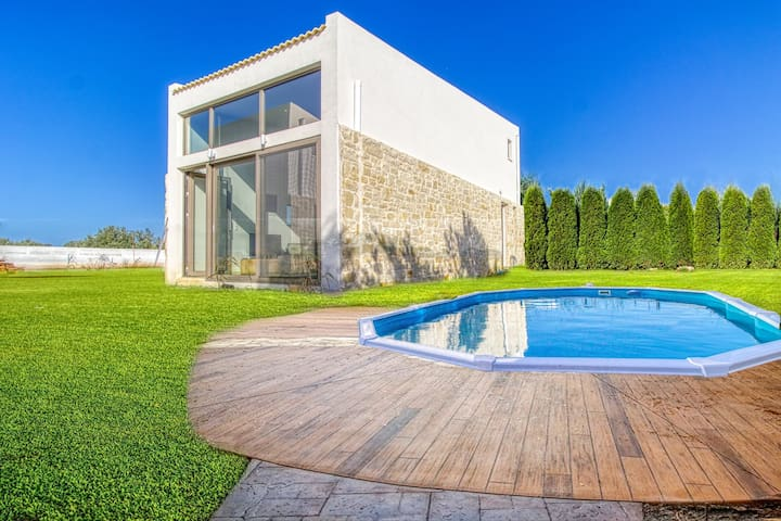Brand new villa, private pool, ideal for couples