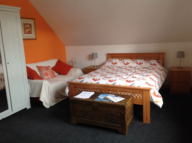 Large double  room with private bathroom kirkwall
