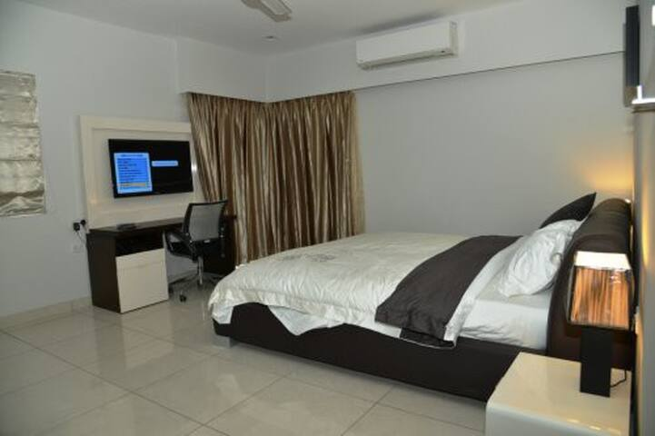 comfy and superb furnished 1 bedroom near town - Dar es Salaam - Lejlighed