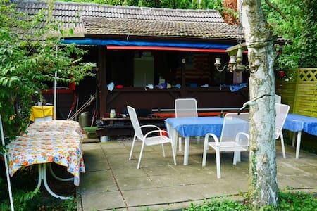 Wochenendhütte Für Naturliebhaber, nahe Badesee - Roppenheim - Haus