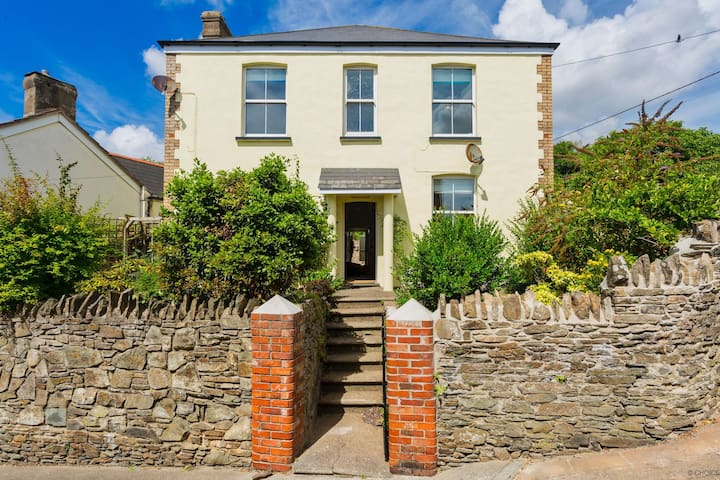 BRAUNTON FAIRHOLME | 4 Bedrooms | Sleeps 8s |  Hot Tub (charges apply) |  Pets Welcome