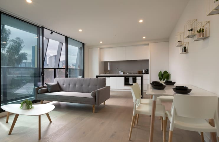 Brand New Apt at the Heart of South Melbourne