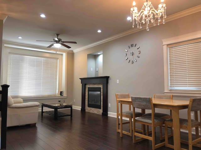 Spacious Modern Home with Many Amenities!