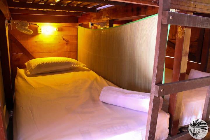 Vaga em Beliche em Cabana Dormitório na Pracinha