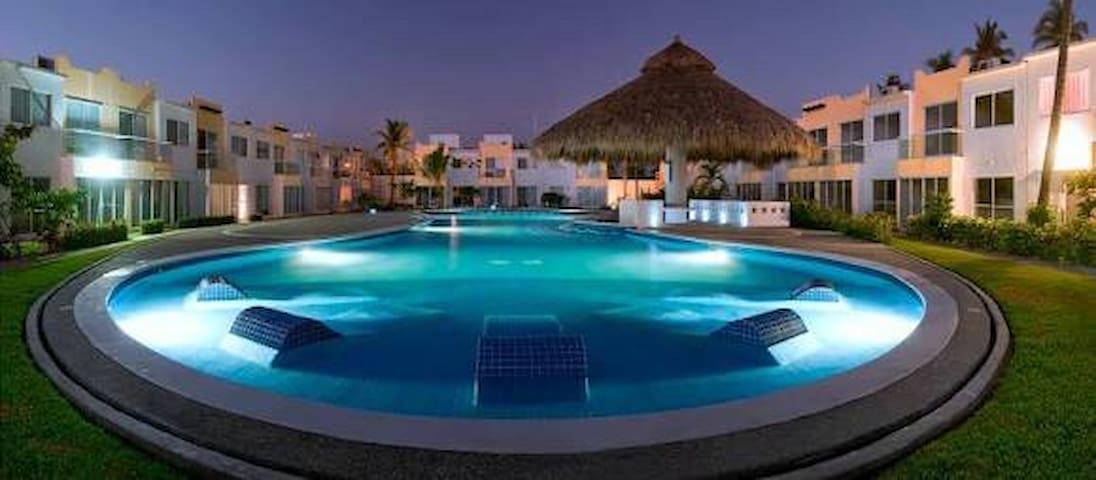 Excelente casa con alberca en TERRARIUM Acapulco
