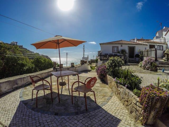 Azenhas Beach House - Colares - Casa