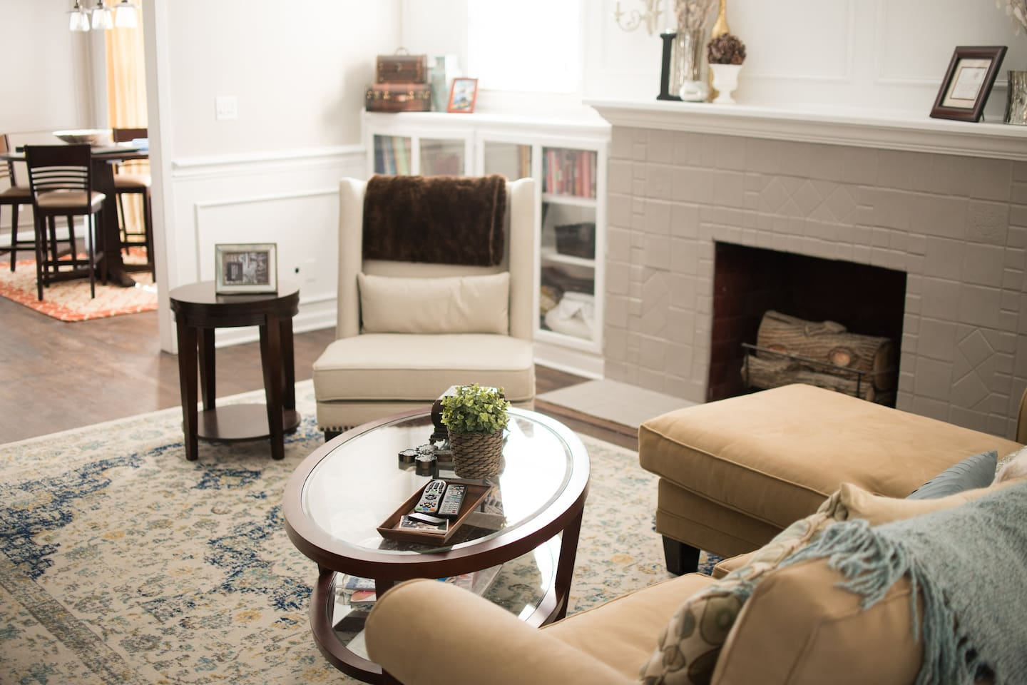 Private Room in the Heart of FW
