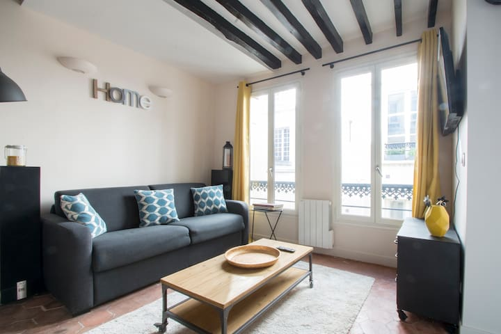 "Loft in "" L'ile saint louis "" Best area in Paris"